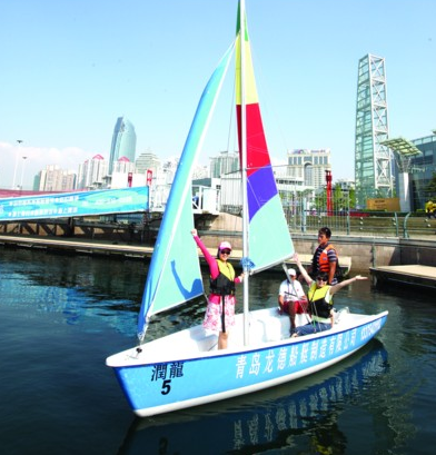 帆船乘风破浪简笔画带颜色