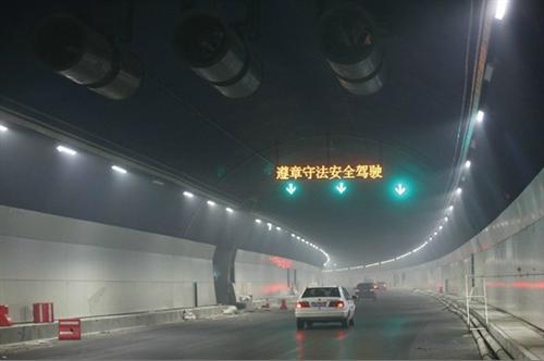 人士认为这是因为青岛市区的景区在旺季往往过于拥挤